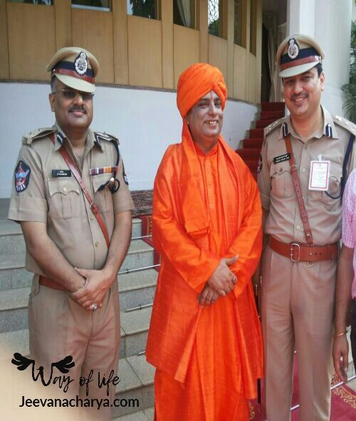 JEEVANACHARYA_SWAMI_CELEBRITIES_PHOTO_006