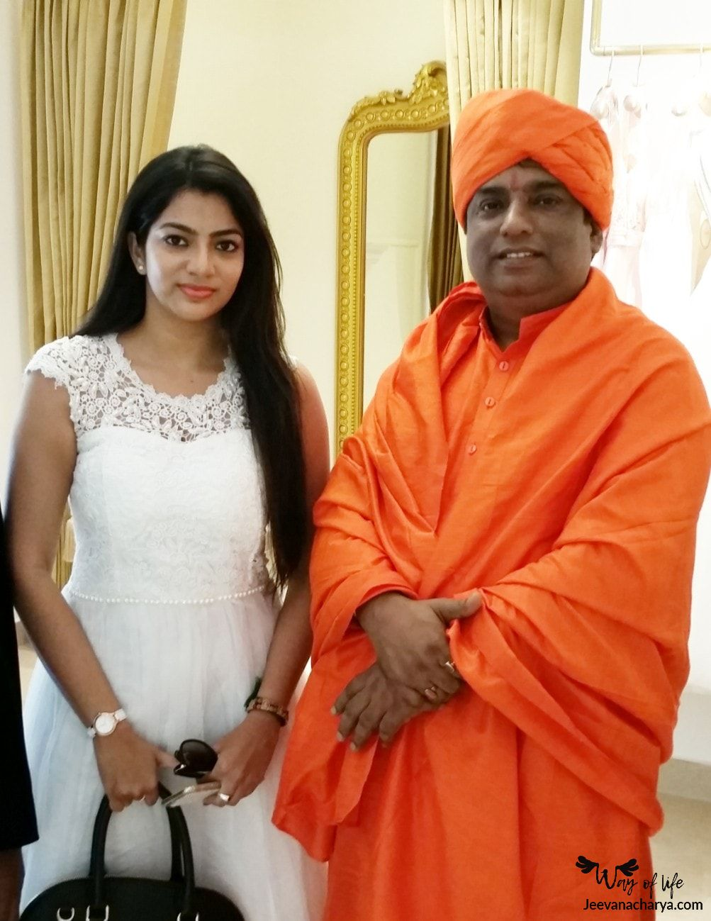 JEEVANACHARYA_SWAMI_CELEBRITIES_PHOTO_015